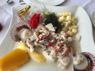 Ceviche mixto em Huanchaco
